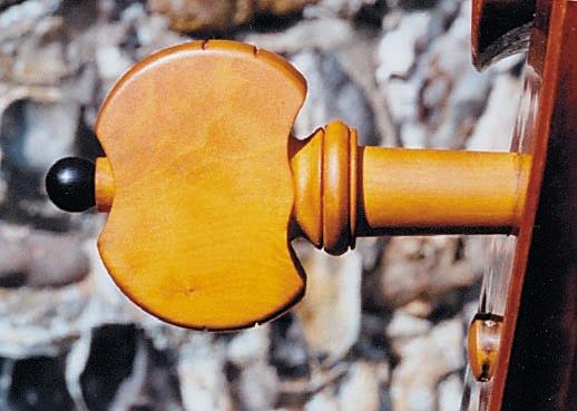 lupot-cello-peg